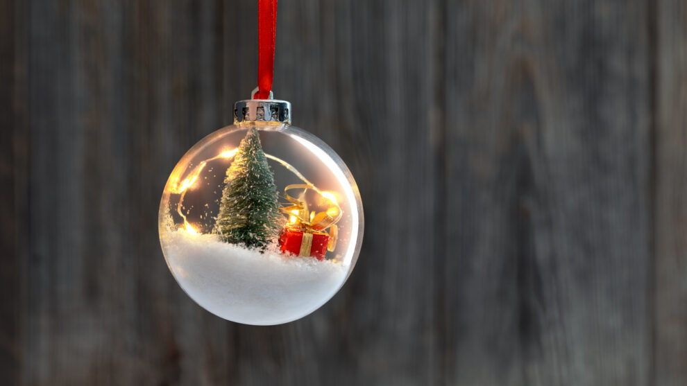 6 Tips to Care for Glass Ornaments